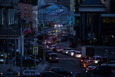 8‑балльные пробки образовались на улицах Москвы в вечерний час пик
