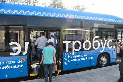 Электробусы начали курсировать еще на двух маршрутах в Москве