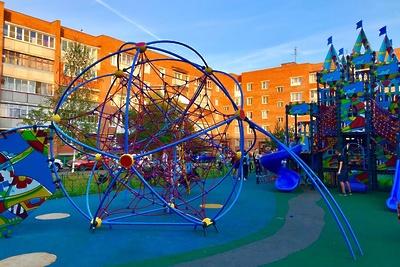 Программу по установке детских игровых площадок в Подмосковье завершили на 98%