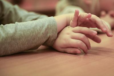 Выплаты для семей с детьми в Подмосковье начнутся на месяц раньше