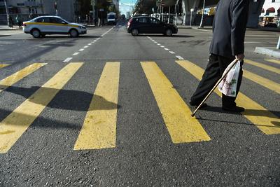 Депутат Сураев поможет с вопросом обустройства надземного пешеходного перехода в Балашихе