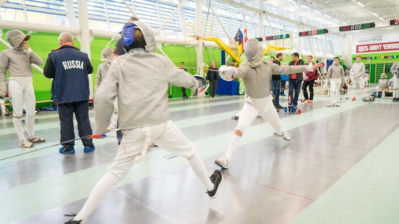Более 100 спортсменов приняли участие в турнире по фехтованию на саблях в Химках