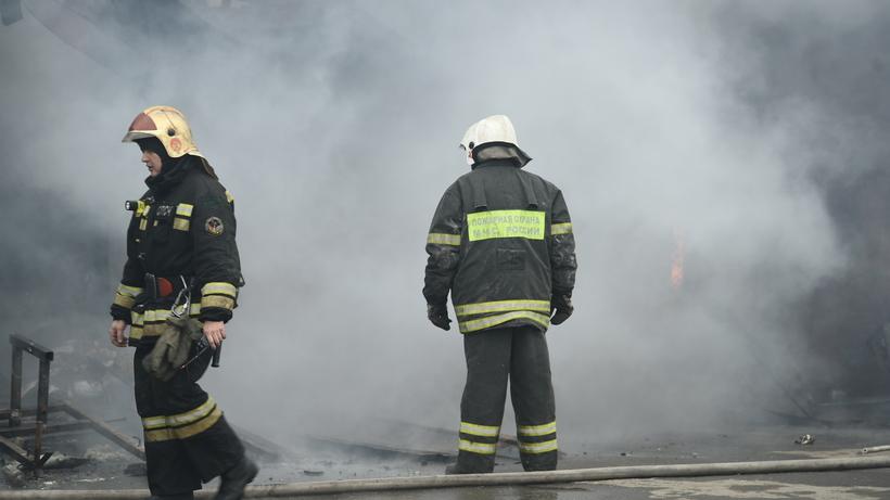 Пожар произошел в производственно‑складском помещении в Балашихе