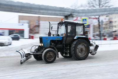Глава Одинцовского района поручил управлению ЖКХ убрать снег на парковках