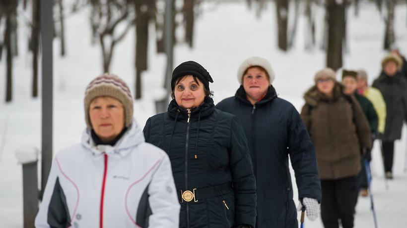 Занятия по скандинавской ходьбе возобновились в Щелкове