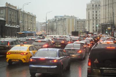 Столичным водителям посоветовали не выезжать за город с 15 до 21 часа в пятницу