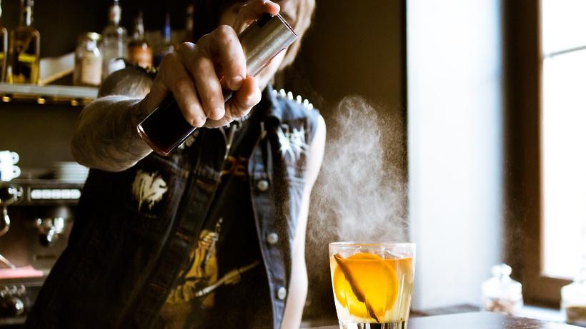 Ученые: одна порция алкоголя в день повышает риск инсульта