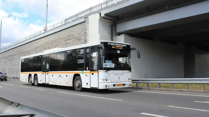 150 автобусов с фотографиями водителей «Мострансавто» вышли на маршруты в Подмосковье
