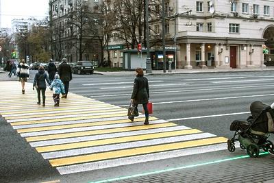 На 17 пешеходных переходах в Королеве обновили разметку