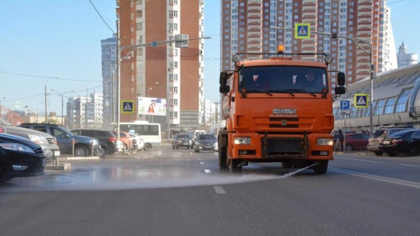 Подмосковные дороги помоют и очистят после зимы до 1 мая
