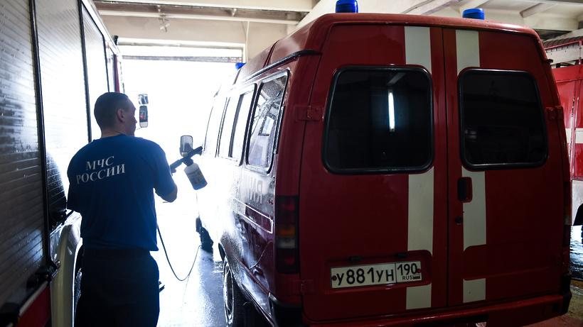 Более 20 человек эвакуировали из загоревшейся многоэтажки на северо‑западе Москвы