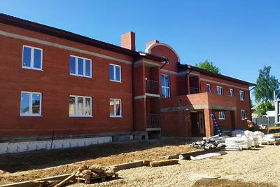 Строительство домов для переселенцев из аварийного жилья проверили в Дмитровском округе