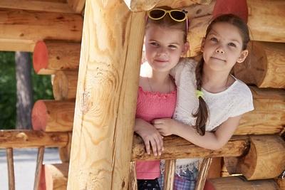 Установку детской площадки на улице 3‑е Почтовое отделение в Люберцах завершат до 1 июля