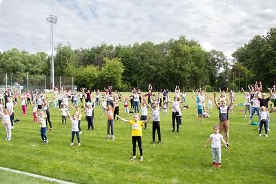 «Зарядку с чемпионом» проведут для воспитанников школьных лагерей Люберец в среду