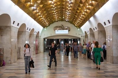 Пассажиры Калининской линии метро: о городских сумасшедших и страхе соединения с «Выхино»