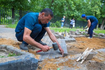 В Подмосковье к 1 сентября построят более 40 тротуаров к детсадам и школам
