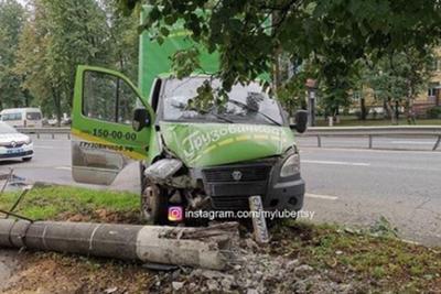 Поваленный столб на Октябрьском проспекте Люберец уберут 18 июля