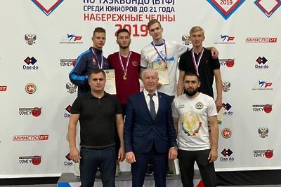 Подмосковные спортсмены завоевали золото и бронзу на первенстве России по тхэквондо