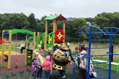 Новую детскую площадку открыли в деревне Новоселки в Подольске