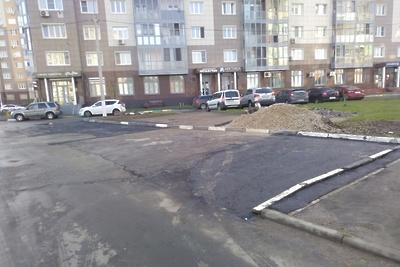 В Подольске завершили строительство парковки на 8 машин на Бородинском бульваре