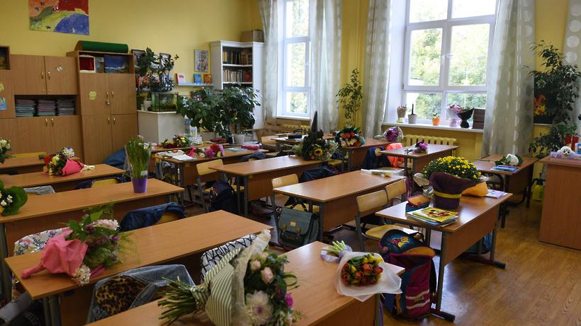Почти 500 первоклассников пошли в школы Котельников