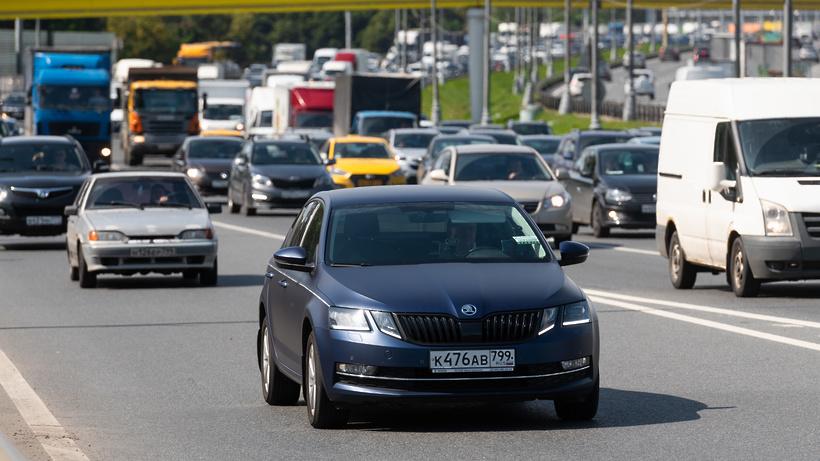 Дорогу на северо‑востоке МКАД освободили после столкновения грузовиков