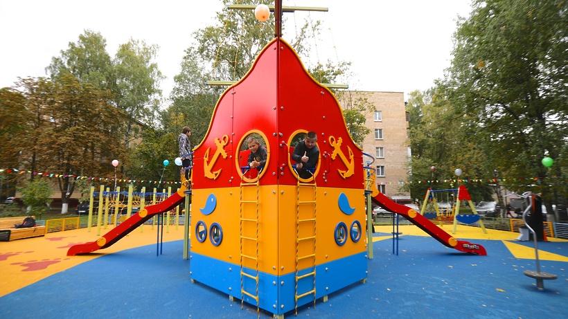 Детские и спортплощадки установят при благоустройстве дворов в микрорайоне Балашихи