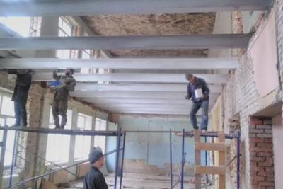 Системы отопления и водопровода начали монтировать в школе №28 Подольска в ходе ремонта