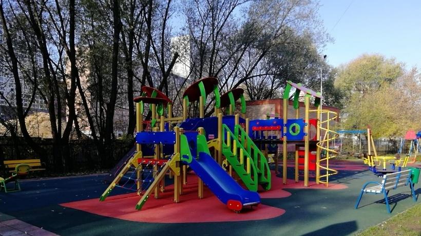 5 детских площадок установят по программе губернатора в поселках Люберец в 2021 году