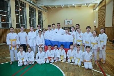 Учитель школы Балашихи завоевал две медали на чемпионате Европы по карате в Македонии