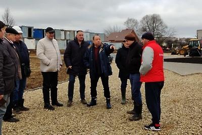 Территорию строящейся школы в микрорайоне Подольска планируют благоустроить к концу ноября