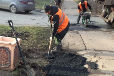 Тротуар отремонтировали в Подольске по просьбе жительницы