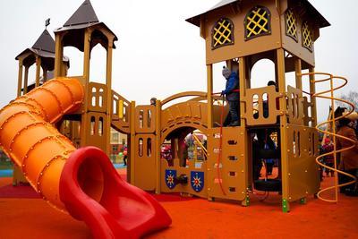 Многофункциональную детскую площадку открыли в Ленинском округе