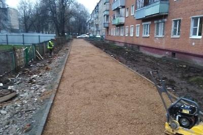 Тротуар вдоль забора школы №13 в Подольске появится до конца года