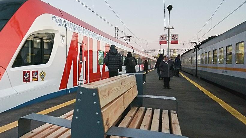 На станции Апрелевка МЦД‑4 начали модернизацию 2 платформ