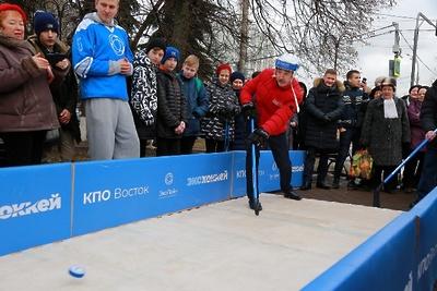 Глава Люберец сыграл в «ЭкоХоккей» в рамках проекта по сортировке отходов