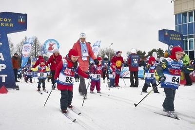 Более 1 тыс юных спортсменов вышли на лыжню в Красногорске