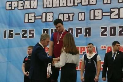 Спортсмен из Подольска завоевал бронзу на первенстве России по тяжелой атлетике