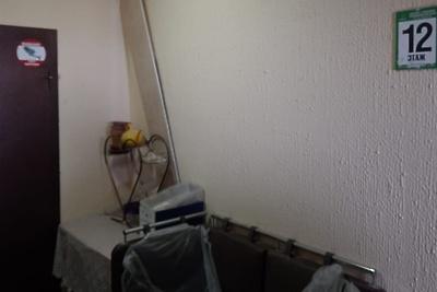 УК Подольска сделали замечание за хранение жителями вещей в лифтовых холлах дома