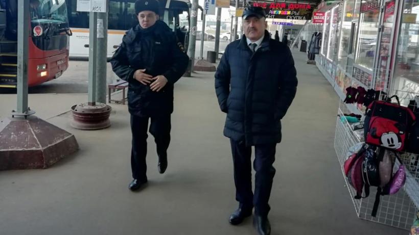 Возле станции метро «Котельники» выявили ряд нарушений содержания территории
