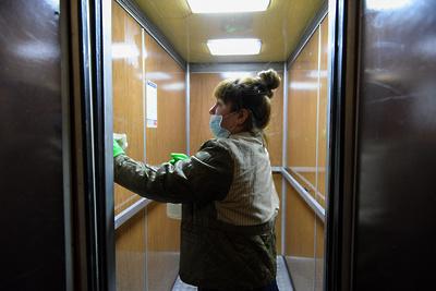 Специалисты теруправления не выявили нареканий в дезинфекции подъездов дома в Подольске