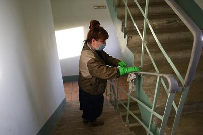 Нарушений дезинфекции не выявили в подъездах микрорайона Дубровицкий Подольска