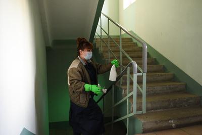 Жителям Подмосковья напомнили о том, как должна проходить дезинфекция в подъездах