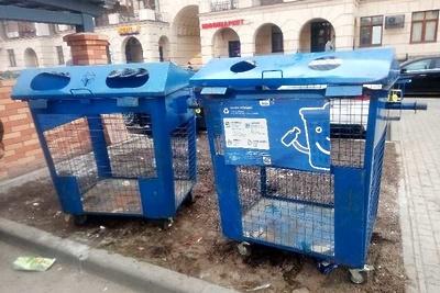 Навалы мусора вывезли с контейнерной площадки в поселке Красногорска