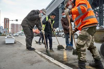 Более 130 км дорог в Красногорске привели в порядок за два дня в рамках весенней уборки
