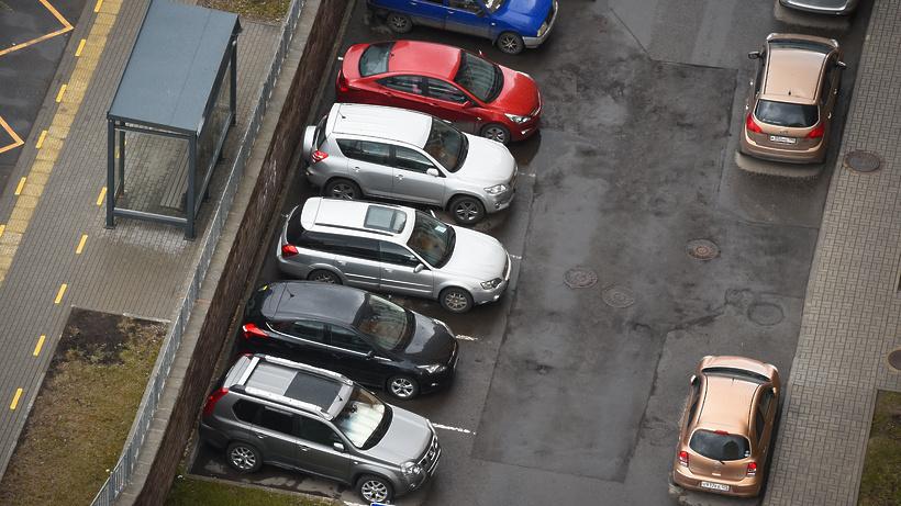 В Микрорайоне Климовск Подольска создали парковочные карманы более чем на 40 мест