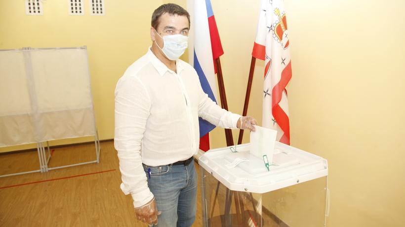 Саночник Альберт Демченко принял участие в голосовании по Конституции РФ в Дмитрове