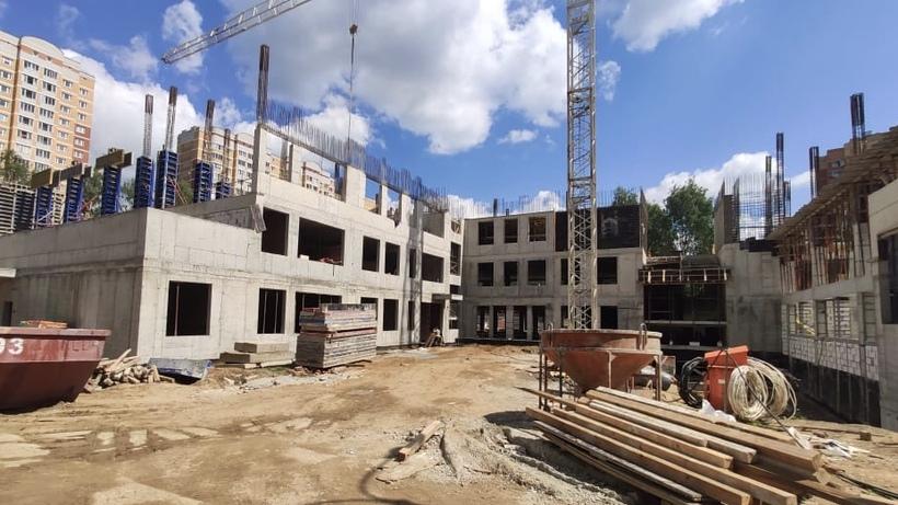 Работы по строительству пристройки к школе №8 в Балашихе выполнили на 40%