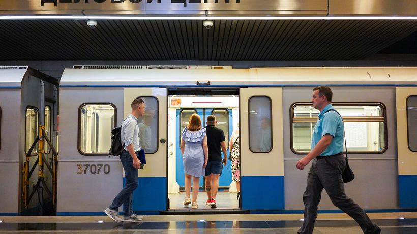 Первые голографические экраны начали тестировать в метро Москвы