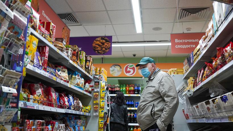 Стали известны округа Подмосковья, где чаще всего нарушают масочный режим в магазинах